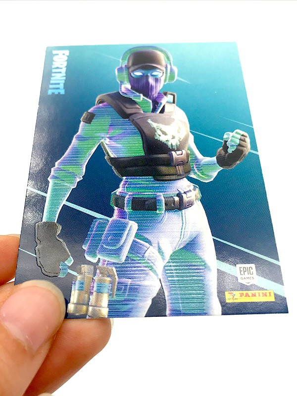 Fortnite Reloaded Trading Cards - Beispiel der Special Cards Glow-in-the-Dark Effekt